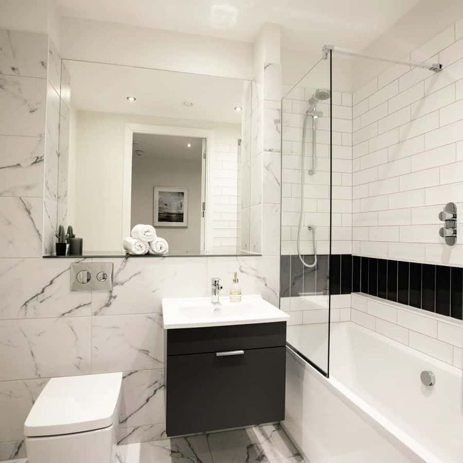 Fernbank Apartments Churchtown Dublin Unfurnished Bathroom
